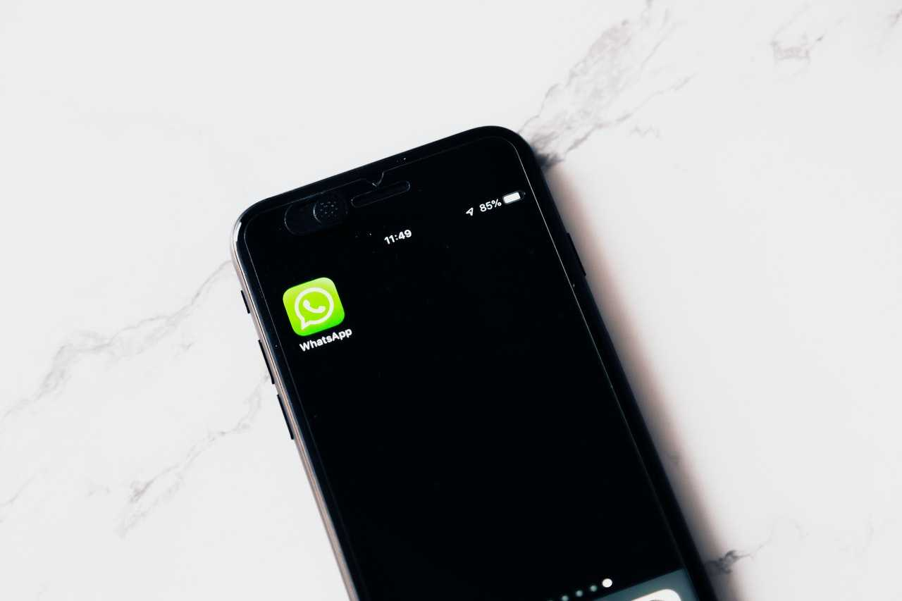 Whatsapp Messenger - Restore chat history